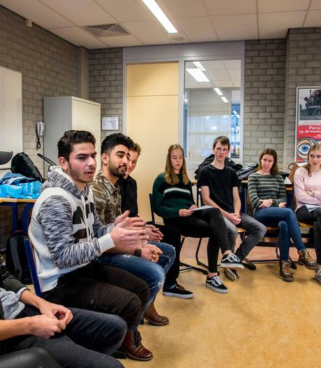 Jonge vluchtelingen vertellen levensverhalen in Tilburg