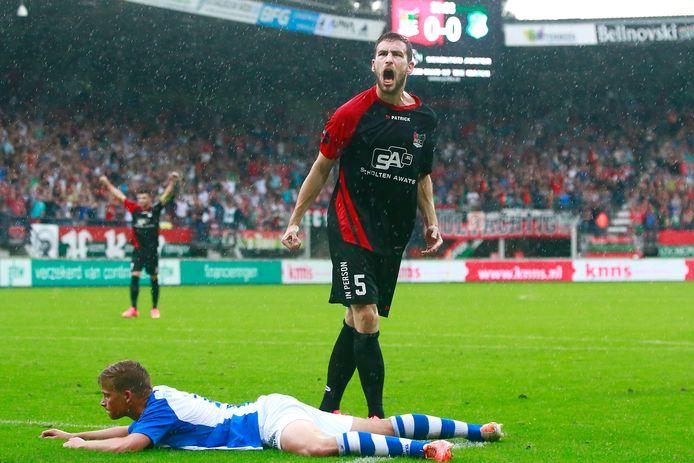 Vijf jaar geleden opende NEC het kampioensjaar met een 3-1 zege thuis tegen FC Eindhoven. Kevin Conboy schreeuwt het uit na de 1-0 van Sjoerd Ars.