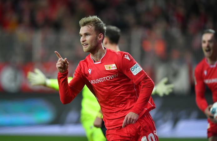 Sebastian Andersson juicht na zijn eerste treffer tegen FC Köln.