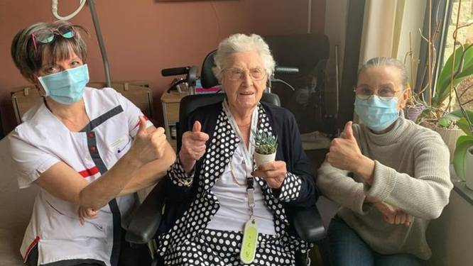 103-jarige Rosalie en alle bewoners van Villa Hugardis krijgen vaccin