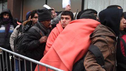 """""""Vreemdelingenzaken stuurt foute brieven om asielzoekers te ontmoedigen"""", Francken ontkent"""