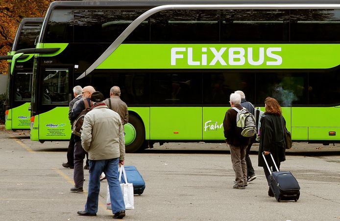 Des voyageurs clients de Flibus.