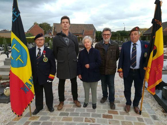 De 11 november vriendenkring van Wanzele met Marc Huylebroeck, Johan De Ryck, Nelly Plehiers, Paul Mertens en Jan Huib Nas.