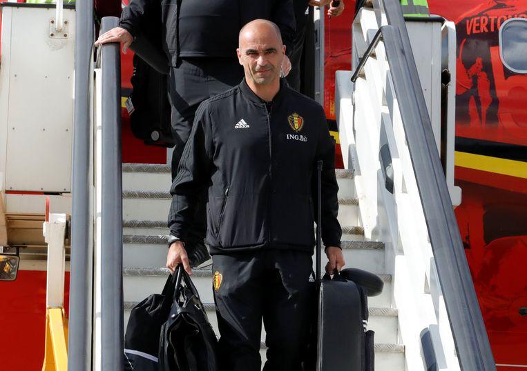 Roberto Martínez bij aankomst in Rusland.