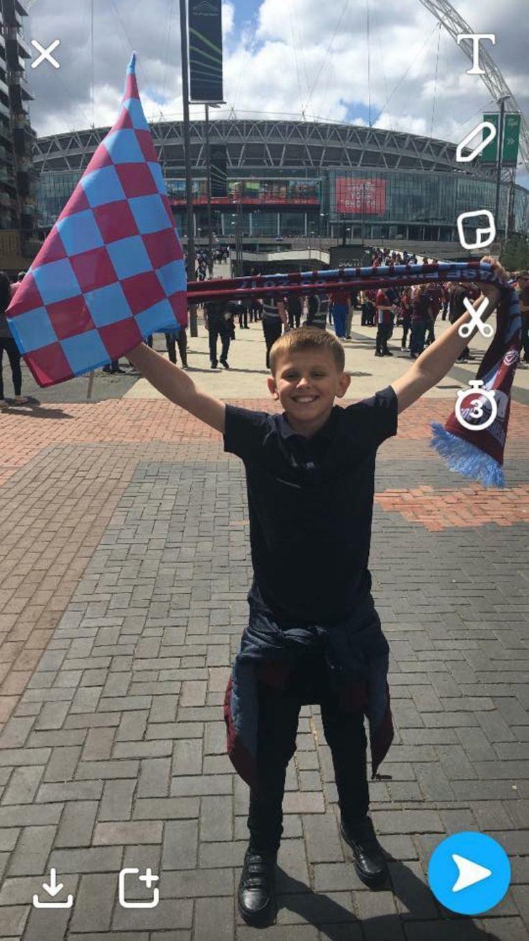 Jak was fan van FC South Shields. Hij kreeg zijn begrafenisdienst in de kantine van de club.