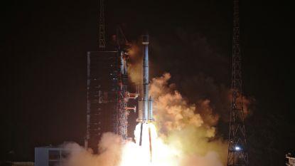 China lanceert vijf satellieten met één raket