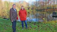 """Stropers stelen karpers uit visvijver in pastoriepark Hekelgem: """"Bij ons lust niemand dat, maar voor Oost-Europeanen is het een delicatesse"""""""