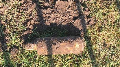 Obus opgegraven op voetbalterrein