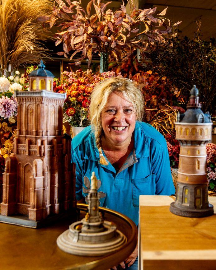 Madelon Bouwmeester van Intratuin Deventer heeft miniatuurtjes laten maken voor onder de kerstboom. Of gewoon, voor de leuk.