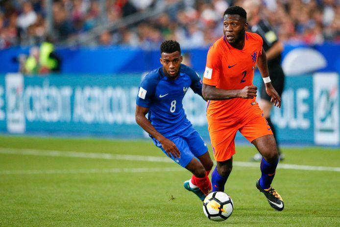 Fosu-Mensah vervangt geblesseerde Tete | Nederlands voetbal | AD.nl