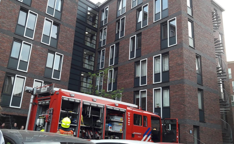 Het studentencomplex in Wageningen dat dinsdagavond in brand stond.