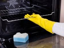 Zo maak je je oven weer blinkend schoon