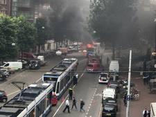 Vrachtwagen in brand op Nieuwezijds Voorburgwal