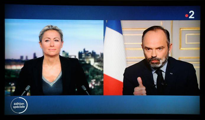 Anne-Sohie Lapix en duplex avec le Premier ministre Edouard Philippe le 17 mars dernier dans le JT de France 2.