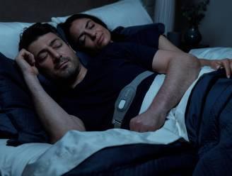 Bye bye gesnurk: nieuwe elektronische slaapband bewaakt je nachtrust (en die van je bedpartner)