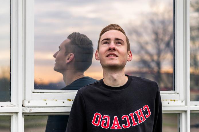 Mark Vermeulen(25) is verslaafd aan neusspray.