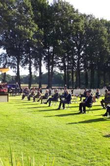 Herdenking op Airbornebegraafplaats in Oosterbeek begonnen, dit keer zonder veteranen