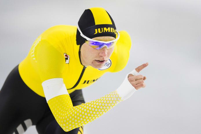 Carlijn Achtereekte in actie op de 1500 meter.