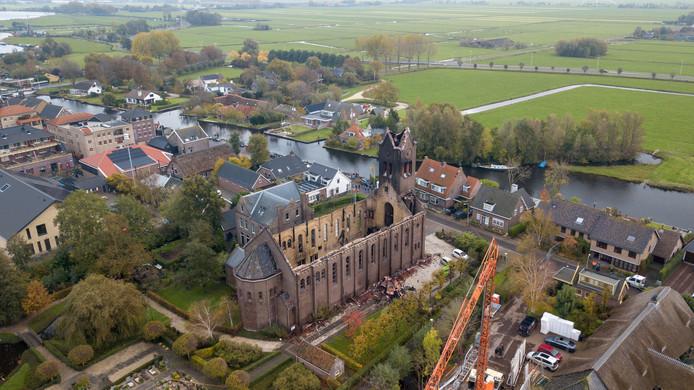 De afgebrande kerk van Hoogmade, voorheen een baken in de polder.