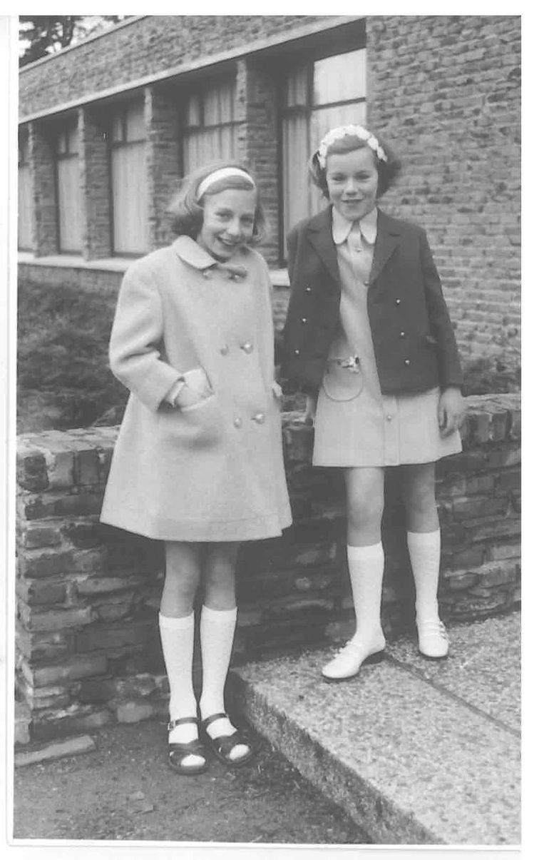 Sigrid Kaag (rechts) als kind bij haar eerste communie. Beeld