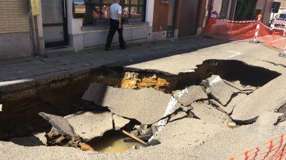 Grote wegverzakking in het centrum van Tervuren