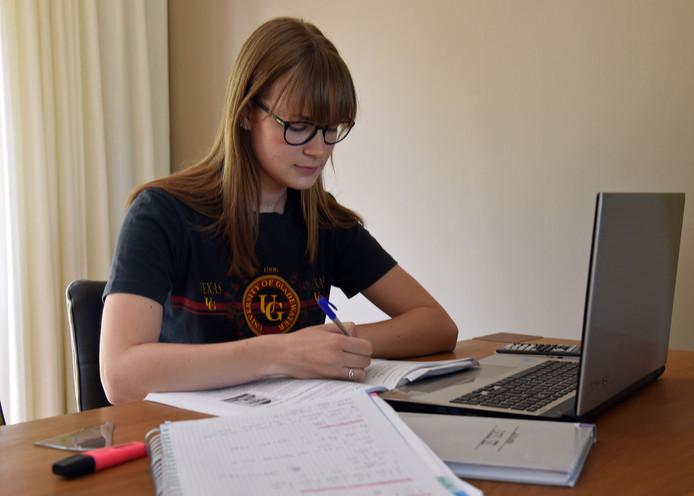 Anouk wil Engels studeren in Brighton en daarna journalistiek in Nederland.