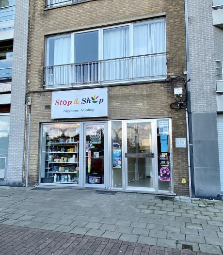"""Uitbaatster (41) van nachtwinkel in Zeebrugge bedreigd en geslagen met mes door drie transmigranten: """"Gelukkig hield hij zijn knipmes verkeerd vast"""""""