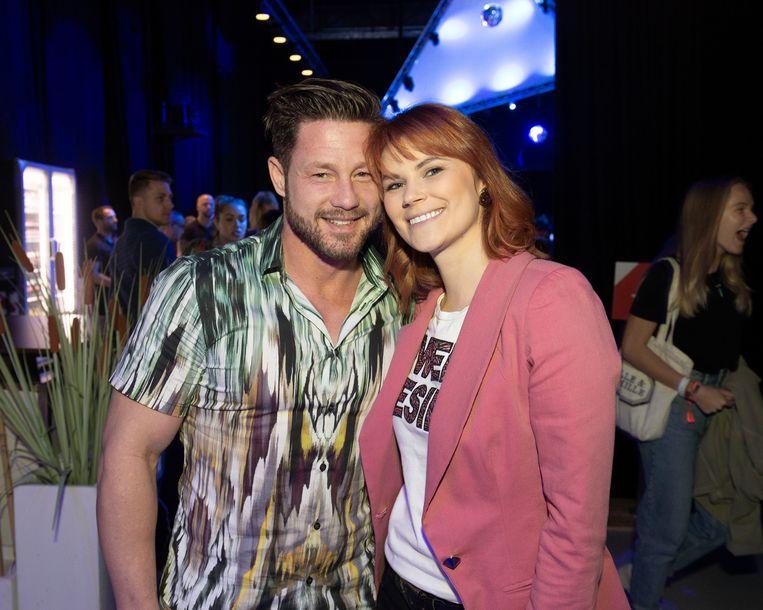 Henny Seroeyen en zijn partner Nancy. De acteur uit 'De Buurtpolitie' kwam supporteren voor zijn collega uit de reeks, actrice Ianthe Tavernier.