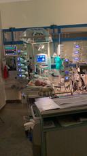 Zara-Lizzy op de intensive care van het ziekenhuis in Bremen.
