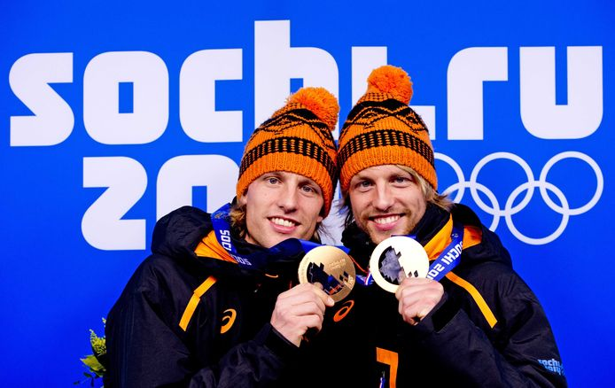 Michel en Ronald (links) Mulder op Medal Plaza in Sotsji.