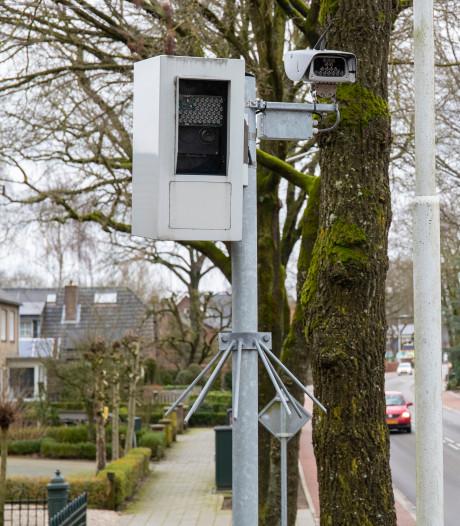 Zelfs de 'buren' van de meest actieve flitspaal van Gelderland pakken er wel eens een bon