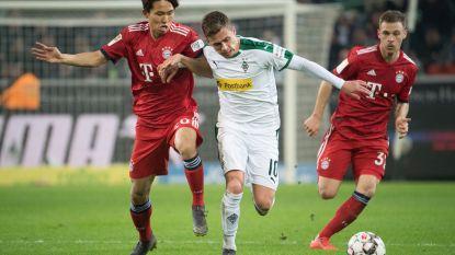 FT buitenland. Bayern beent Dortmund bij ondanks assist Thorgan Hazard - Lukebakio en Raman scoren in Schalke