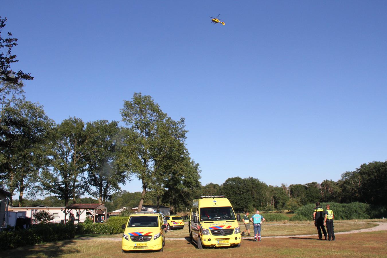 Een vijf jarig meisje is ernstig gewond na een val op een camping in Markelo.