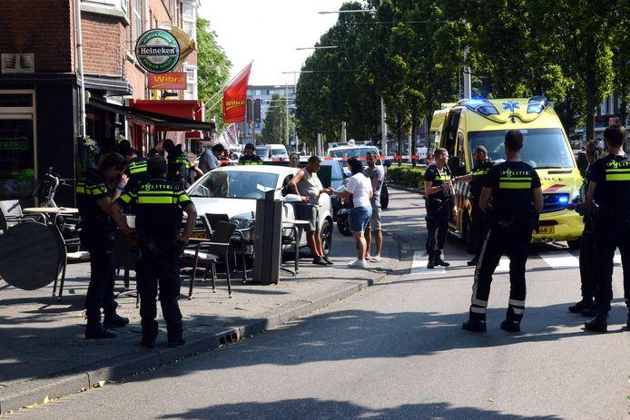 De bestuurder reed een terras op in de Dierenselaan in Den Haag