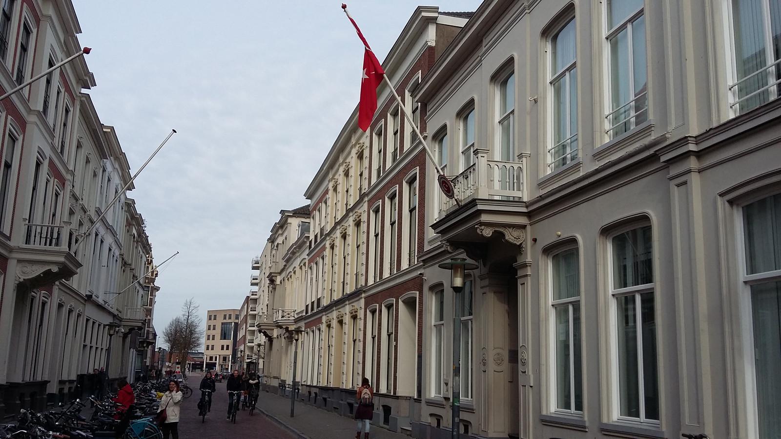 Turks Consulaat aan de Keizerstraat in Deventer.