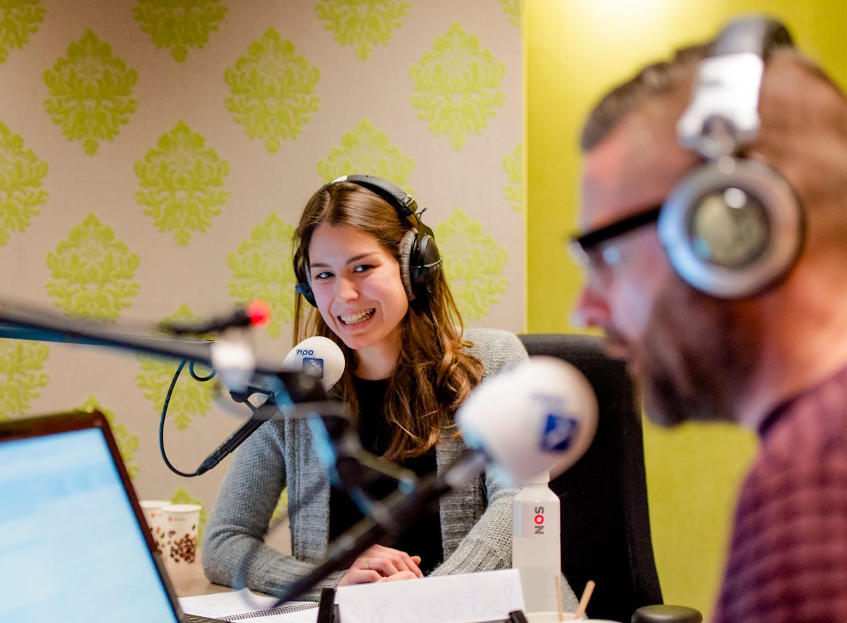 Amber Brantsen Nieuwe Presentator Nos Journaal Show Ad Nl