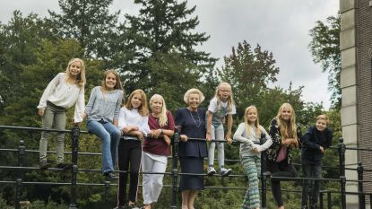 Jarige prinses Beatrix straalt op nieuwe foto's met haar kleinkinderen