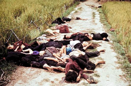Op bevel van luitenant William Calley werden bij My Lai in Zuid-Vietnam op 16 maart 1968 honderden onschuldige burgers gedood.