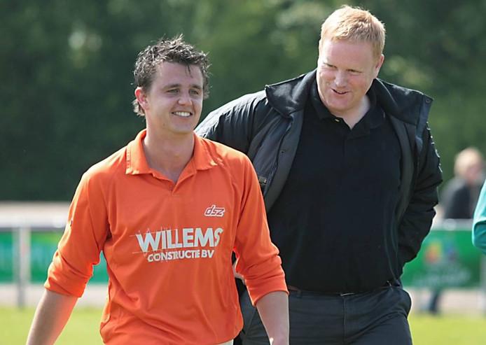 Jeroen van Kampen (rechts) met Paul de Keijzer, nog als trainer van DSZ. Archieffoto: Jan Rikken