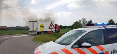 Vrachtwagen in de brand langs A12 bij Ede