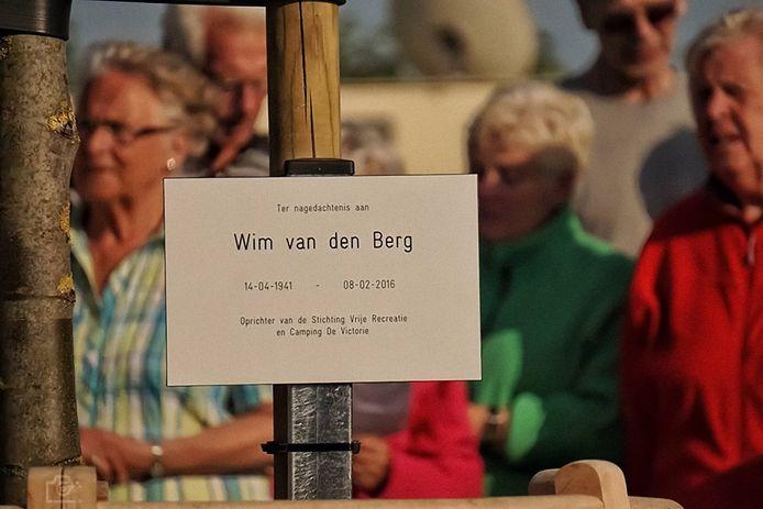 Ter nagedachtenis aan Wim van den Berg, oprichter van camping De Victorie en de Stichting Vrije Recreatie in Meerkerk, is in mei van 2016 een herdenkingsboom met plaquette onthuld op camping De Victorie in Meerkerk. Rond de lindeboom kunnen kampeerders zitten.