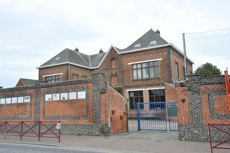 De langverwachte en broodnodige vernieuwingswerken aan de Sint-Cajetanusschool zijn gestart.