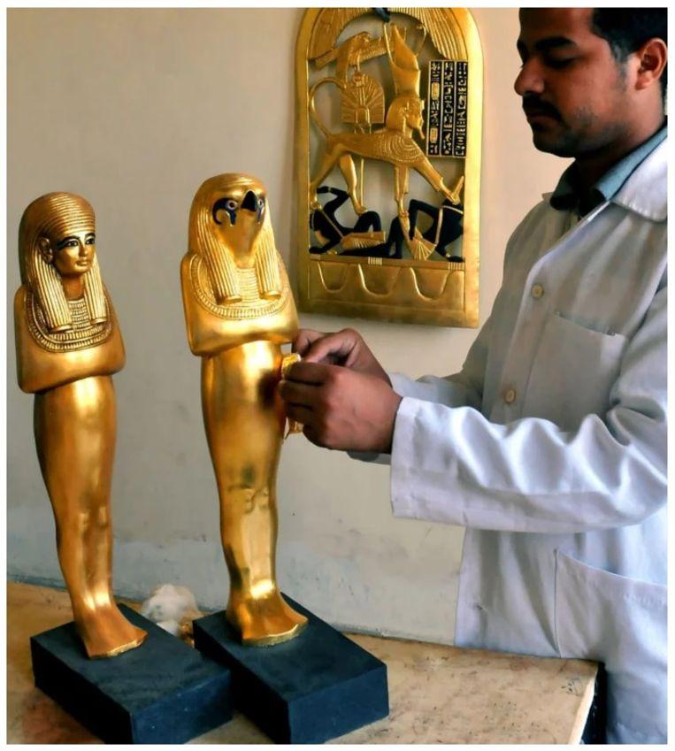 Alle objecten uit  het graf zijn nagemaakt om het leven in de tijd van de farao's tastbaar te maken.