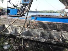 Gemeente ruimt betonnen scheepswrak Ertveldplas