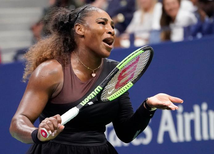 Serena Williams tijdens een van haar woede-uitbarstingen op de baan.