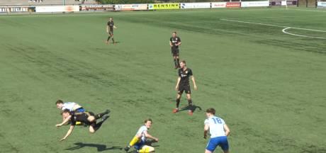 #HéScheids: Harde tackle van BWO'er, mooie vrije trap bij Buurse