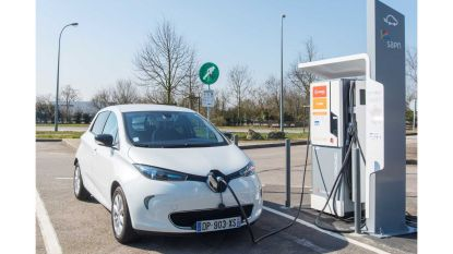 Op vakantie met elektrische auto? Frankrijk sluit 189 snelladers langs Autoroutes
