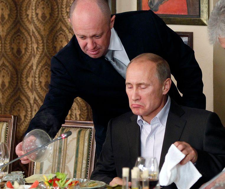 De missie om de Russische invloed op het Afrikaanse continent uit te breiden, wordt geleid door Yevgeny Prigozhin (bovenaan), een zakenman in Sint-Petersburg én trouwe bondgenoot van de Russische president Vladimir Poetin (onderaan).