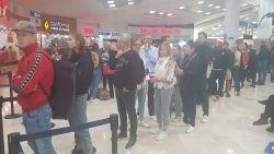 """""""Emoties laaien stilaan hoog op"""": 350 Belgen zitten al voor vierde dag vast in Mexico na technisch defect aan toestel Tui"""