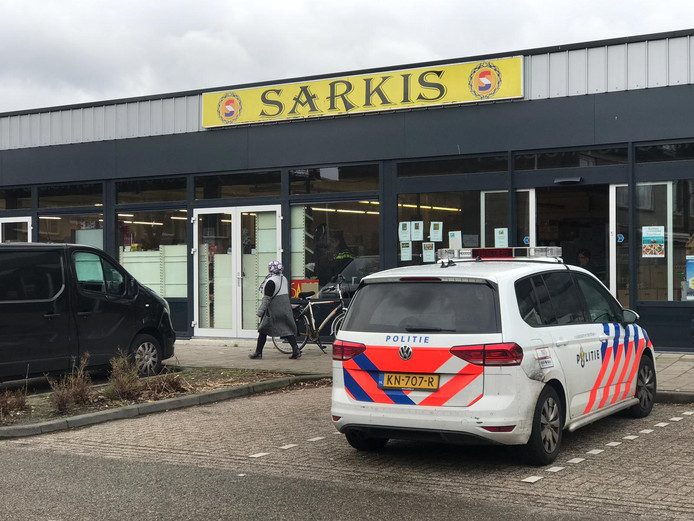 Supermarkt Sarkis in de wijk Aalderinkshoek